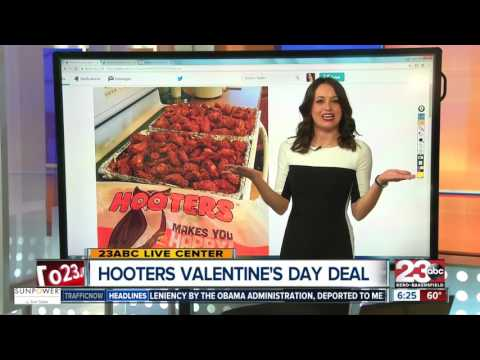 Valentine's Day at Hooters: Free wings