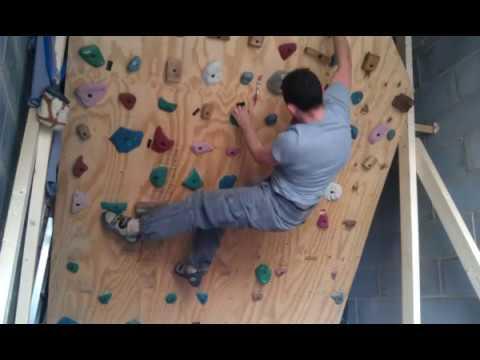 Freestanding bouldering wall