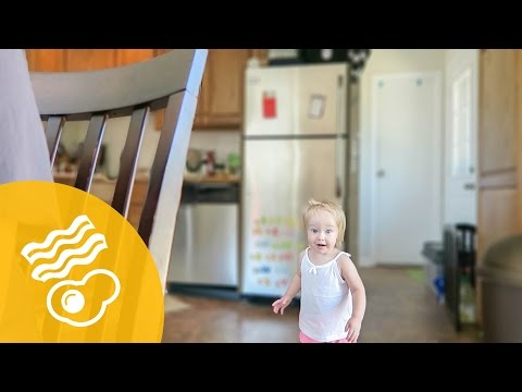 HOW TO EAT BREAKFAST WITH A TODDLER! | ThePfledPfam