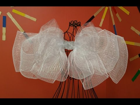 Jenny Barnett Rohrs and Katie Hacker Make Sparkly Wings on Hands On Crafts for Kids (1805-1)