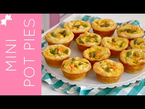 How To Make Mini Chicken Pot Pies in a Cupcake Pan {classic & low fat} // Lindsay Ann Bakes