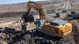 Cat 365C Excavator Loading Trucks - PakVim net HD Vdieos Portal