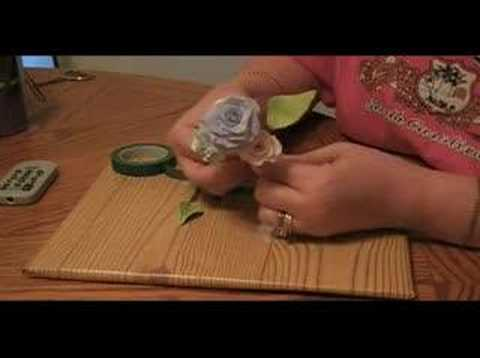 How To Wire a Spray of Gumpaste Flowers