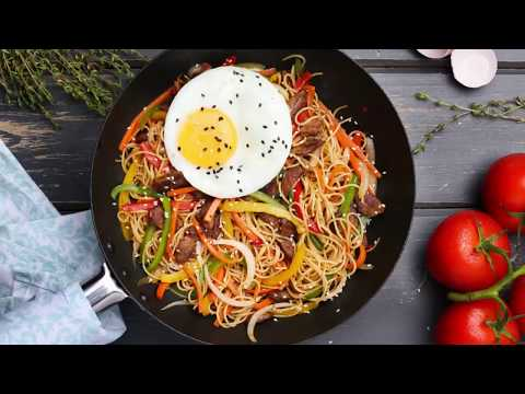 STIR FRIED BEEF SPAGHETTI WITH VEGETABLES