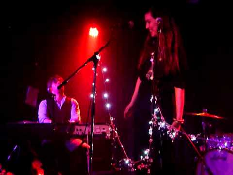 Kristina Train and Ed Harcourt - I Can't But Help