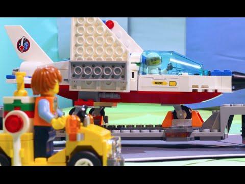 City: Training Jet Transporter - LEGO The Build Zone - Season 2 Episode 2