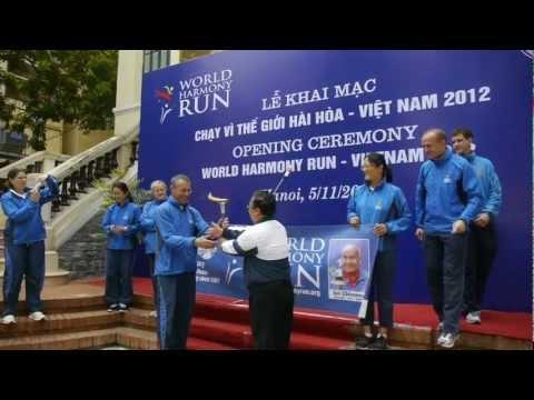 World Harmony Run in Vietnam 2012