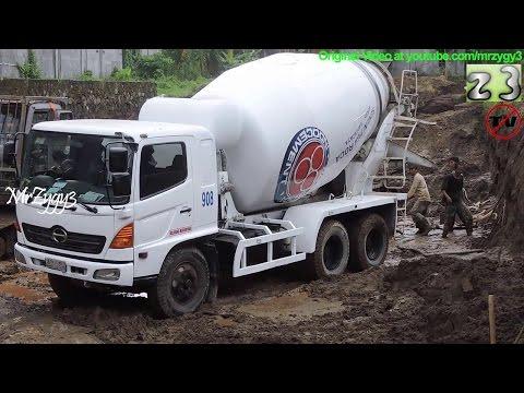 Hino Concrete Mixer Truck Working