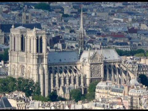 Paris médiéval (Louvre et Notre-Dame)