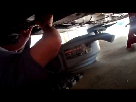Changing drain plug without draining oil