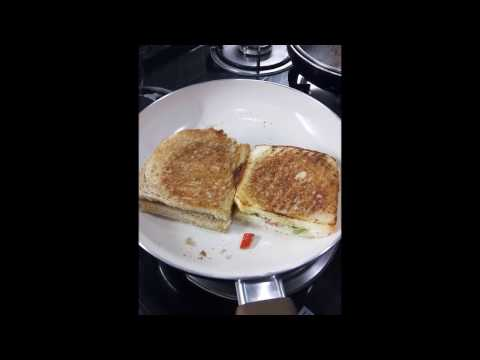 How to make white sauce chicken sandwich/ Very easy and tasty recipie