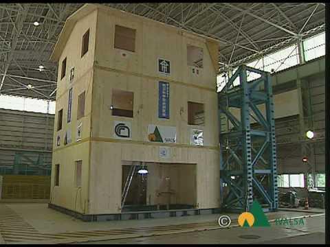 Simulazione sisma di Nocera Umbra su edificio 3 piani in legno (c)Ivalsa