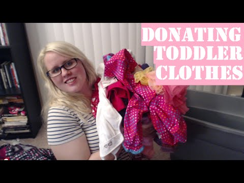 Donating Baby & Toddler Clothing SPRING CLEANING | VLOG