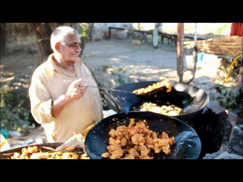 Chinese Food Cooking - Wok Fusion at a local market in India