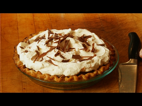 How to Make a Fresh Chocolate Cream Pie -  Mobile Minute
