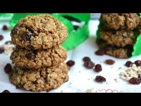 Chewy Vegan Oatmeal Raisin Cookies | Fablunch