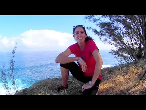 Exploring the Overlook of Pe'ahi Jaws Maui