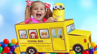 Wheels on the Bus song for kids Learn colors with balls and Diana