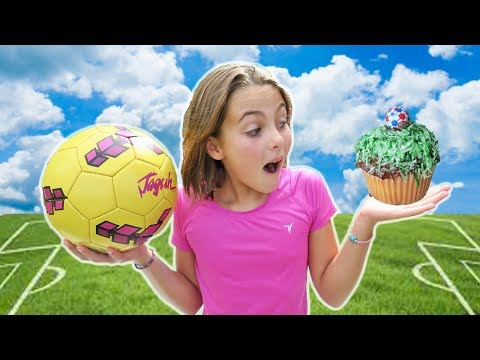 How To Make DIY Soccer Cupcakes w/ Chef Ava | Futbol Cupcake | Kids Cooking and Crafts In Costa Rica