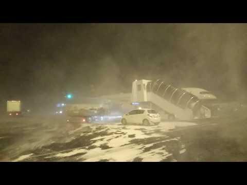 Iceland Keflavik Airport blizzard  2016.12.28
