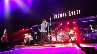 Thomas Rhett  Openinganthem  101715  Atl