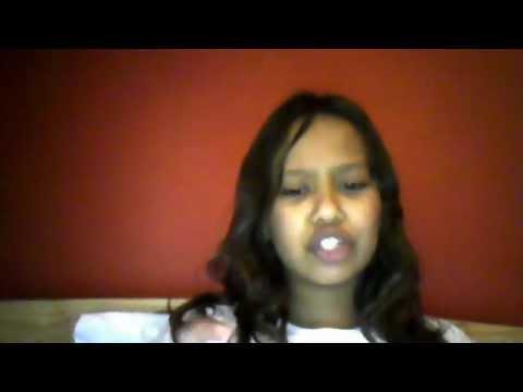 11 YEAR OLD SINGING (I NO I HAVE BUCK TEETH BTW) MOCKINGJAYFLY