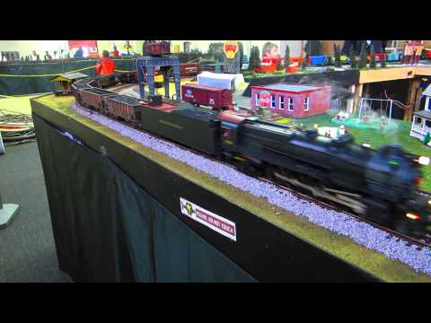 Bill Henning's tree and North Penn O Gaugers on Lionel National train day