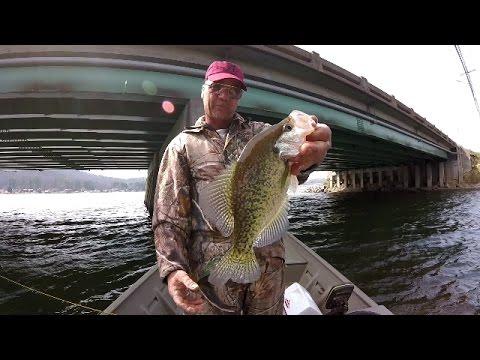 Crappie Fishing Under Bridges - Lake Guntersville