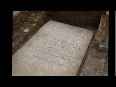 Tombs discovered during High Street refurbishment