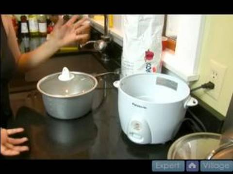 How To Make Korean Rice And Kimchi : Using A Rice Cooker For Making Korean Rice