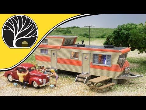 Double Decker Trailer – N, HO, O Scale | Built-&-Ready® | Woodland Scenics | Model Scenery