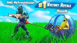Pro LITERALLY Dragged me to Victory Royale!