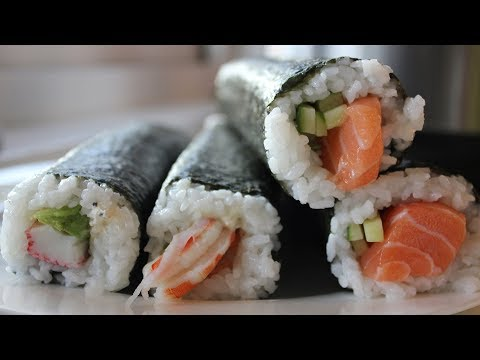 How to Make Maki Sushi Rolls 🍣