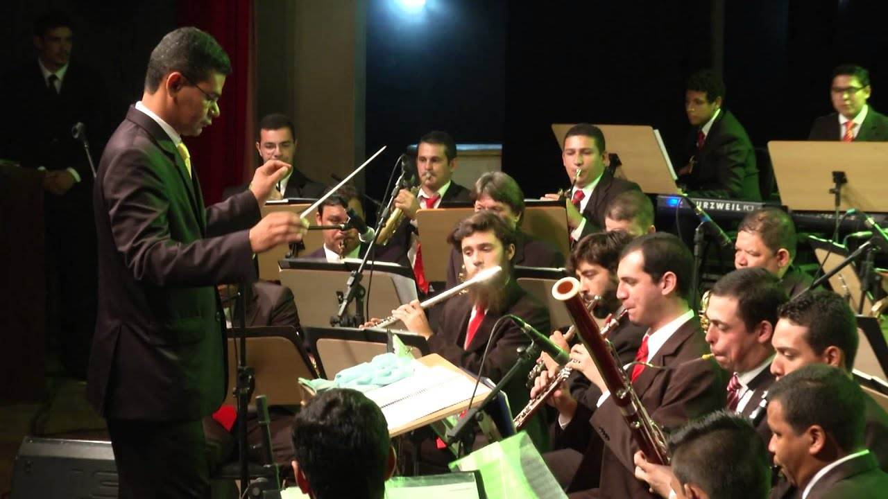 Pout Pourri -  ROUPA NOVA - Banda de Música Municipal