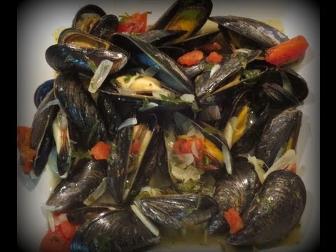 Mussels with Wine and Garlic Sauce