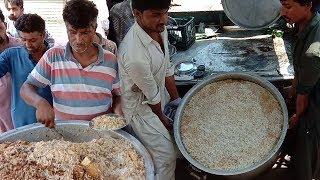 People Are Crazy For Biryani   Beef Yakhni Pulao   Beef Biryani At Street Food Of Karachi Pakistan