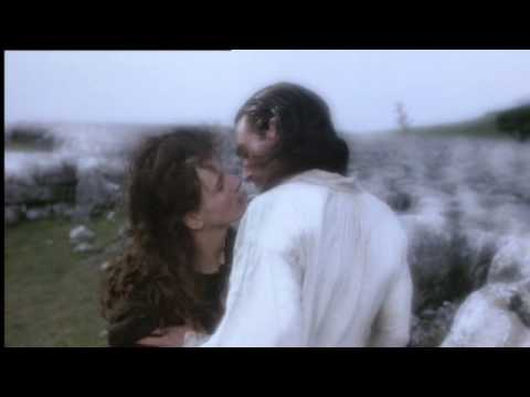 Download Wuthering Heights - Kate Bush (1992 clips)