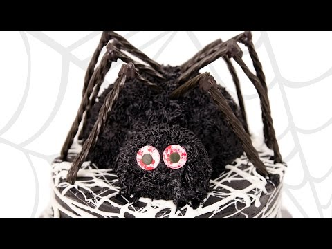 3D Spider Cake / Halloween Cake from Cookies Cupcakes and Cardio