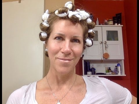 Video one with conair pillow rollers