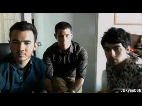 Jonas Brothers Saying Happy Birthday Demi Lovato 2012