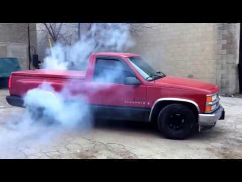 Chevrolet Silverado Burnout