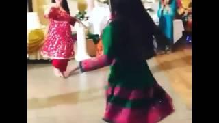 بلوشي رقصة بنات