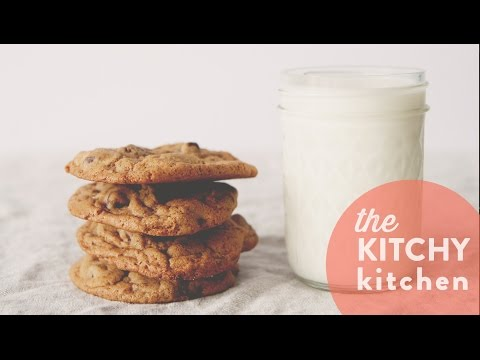 The Secret to Chewy Chocolate Chip Cookies // Living Deliciously