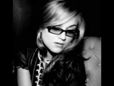 Melody Gardot - Our Love is easy (with lyrics)