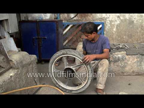 How we repair a punctured road bike tyre in India