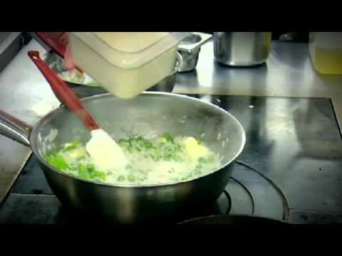 Gordon Gives Top Tips for Making Risotto - The F Word