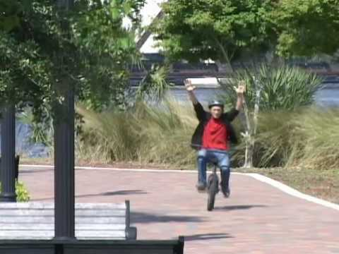 How to Ride a Bike without Holding On to the Handlebars
