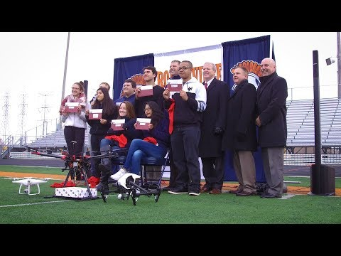 First Drone Delivery of College Acceptance Letter in U.S. via Lewis University
