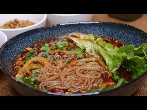 Authentic Sichuan Hot and Sour Noodle Soup [酸辣粉]