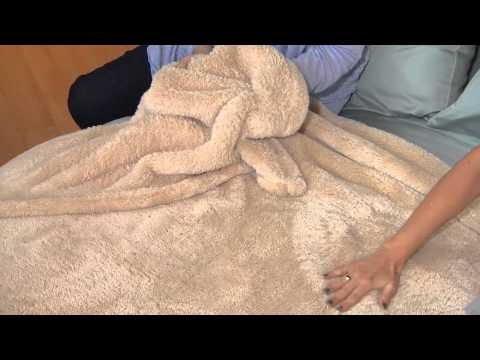 Berkshire Blanket King Super Soft Oversized Plush Fluffie Blanket with Sandra Bennett
